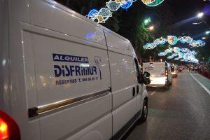 Una de nuestras furgonetas de alquiler en Murcia desfiló en Moros y Cristianos.