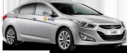 Hyundai 40, uno de los vehículos de alquiler de DFM Rent a Car.