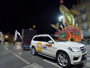 Uno de los vehículos de DFM Rent a Car, en el desfile del Entierro de la Sardina 2017. Imagen: Joaquín Zamora.