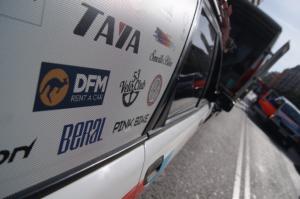Coche oficial del equipo ciclista de La Tova, que apoyamos desde DFM Rent a Car.