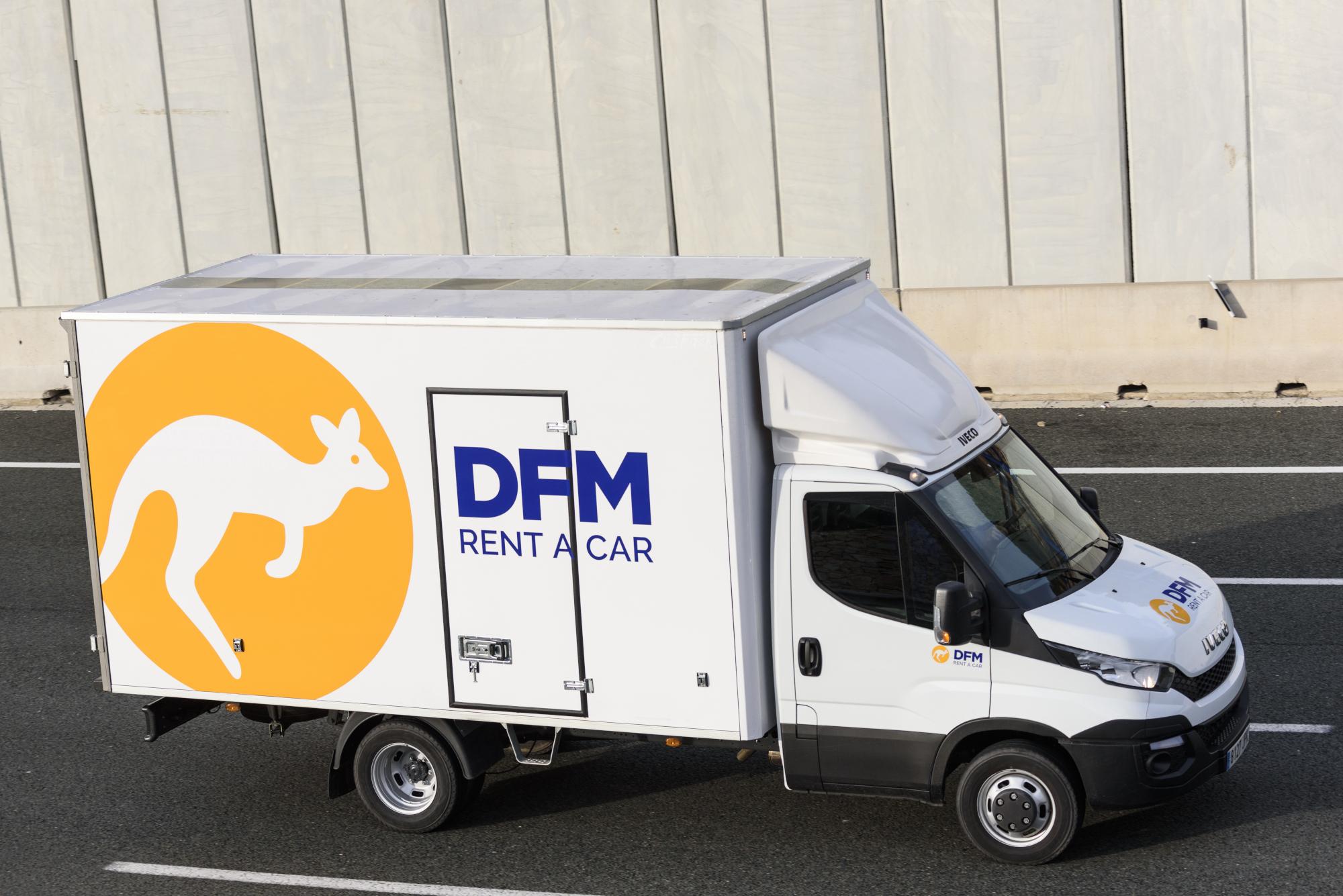 Furgón de alquiler en Murcia. DFM Rent a Car cuenta con la mayor oferta de furgonetas y furgones de alquiler en la ciudad de Murcia.