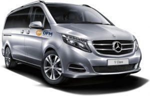 El alquiler de una furgoneta de 9 plazas de DFM Rent a Car es la mejor opción para compartir la Navidad.
