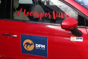 Puerta lateral del Fiat 500 de DFM Rent a Car, utilizado en el congreso Locas por vivir