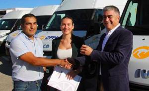 El alquiler de furgonetas a largo plazo fue la mejor solución para Naturnar, que optó por DFM Rent a Car para transportar naranjas a Francia.
