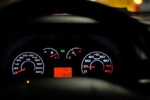 Regulador de velocidad y limitador de velocidad