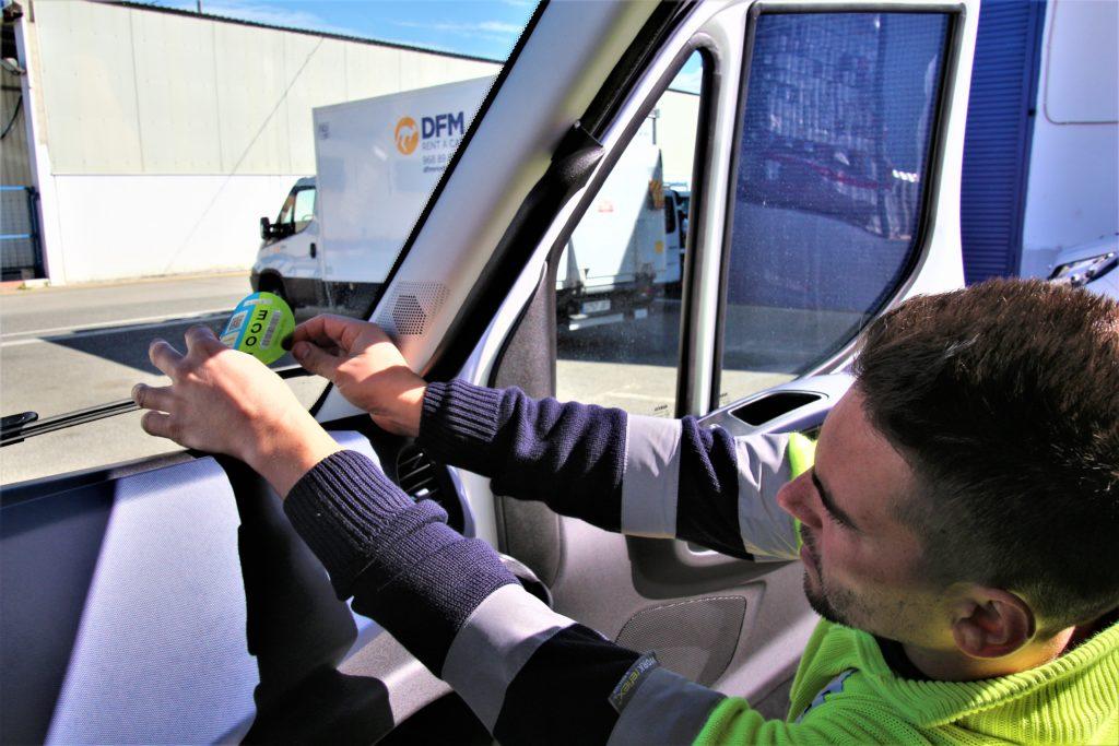 Distintivos ECO para los vehículos 'verdes' de DFM Rent a Car