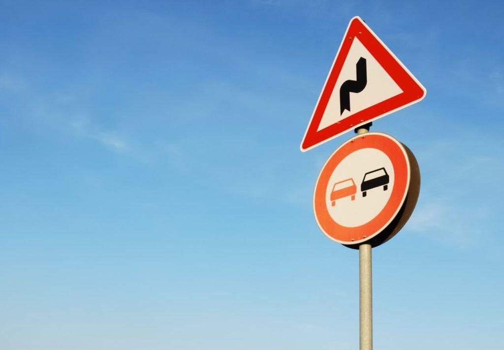 5 señales de tráfico difíciles de ver que no debes ignorar