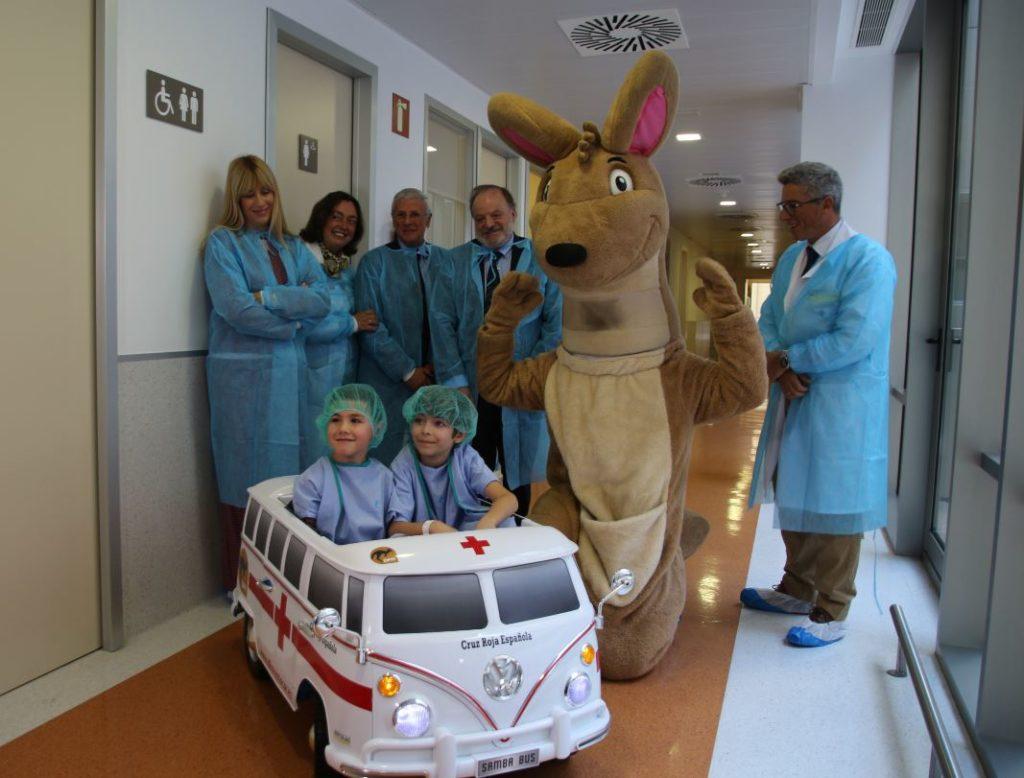 DFM Rent a Car dona dos coches eléctricos al Hospital Santa Lucía