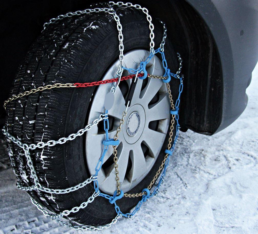 Todo lo que debes saber para poner las cadenas de nieve