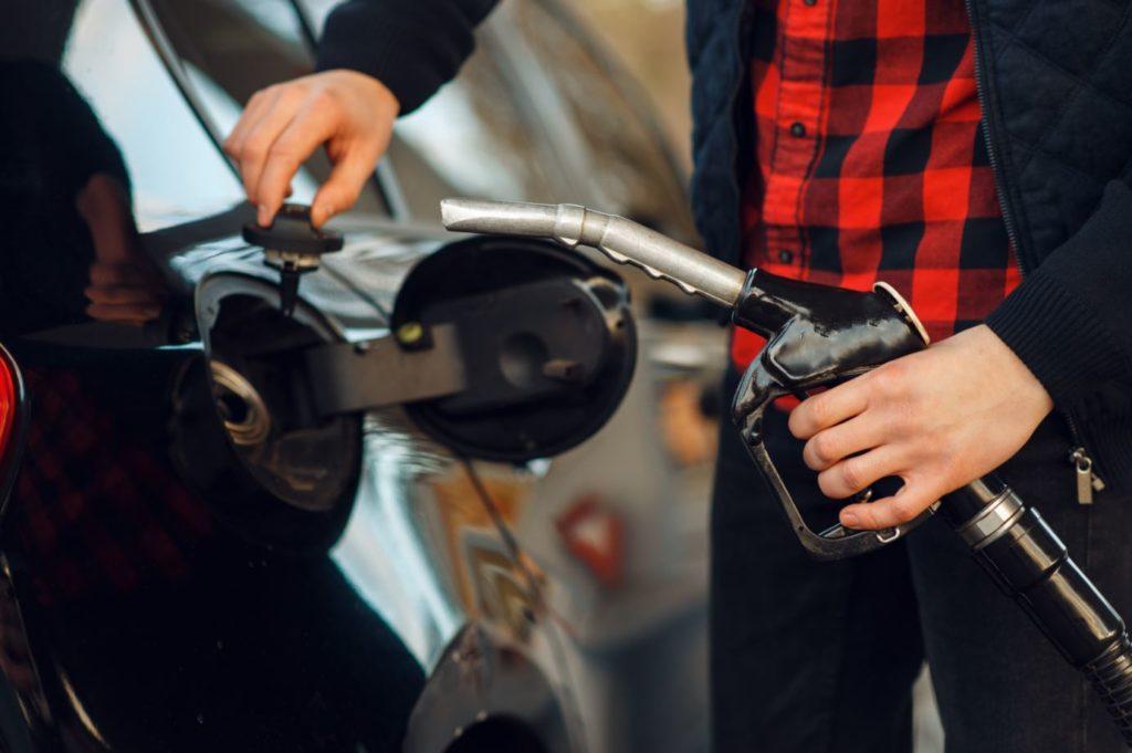 Por qué no debes apurar el depósito de combustible