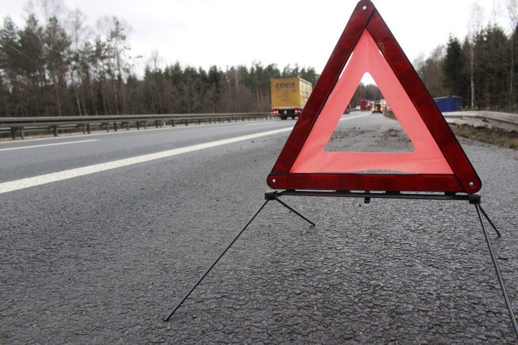 Los 6 pasos a seguir en caso de avería en carretera