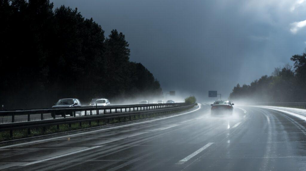 5 consejos para conducir en otoño con seguridad