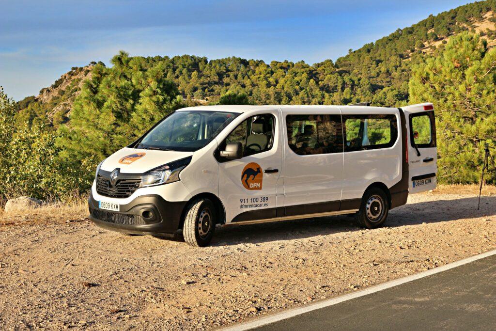 Dónde y por qué alquilar una furgoneta o vehículo de trabajo en Andalucía
