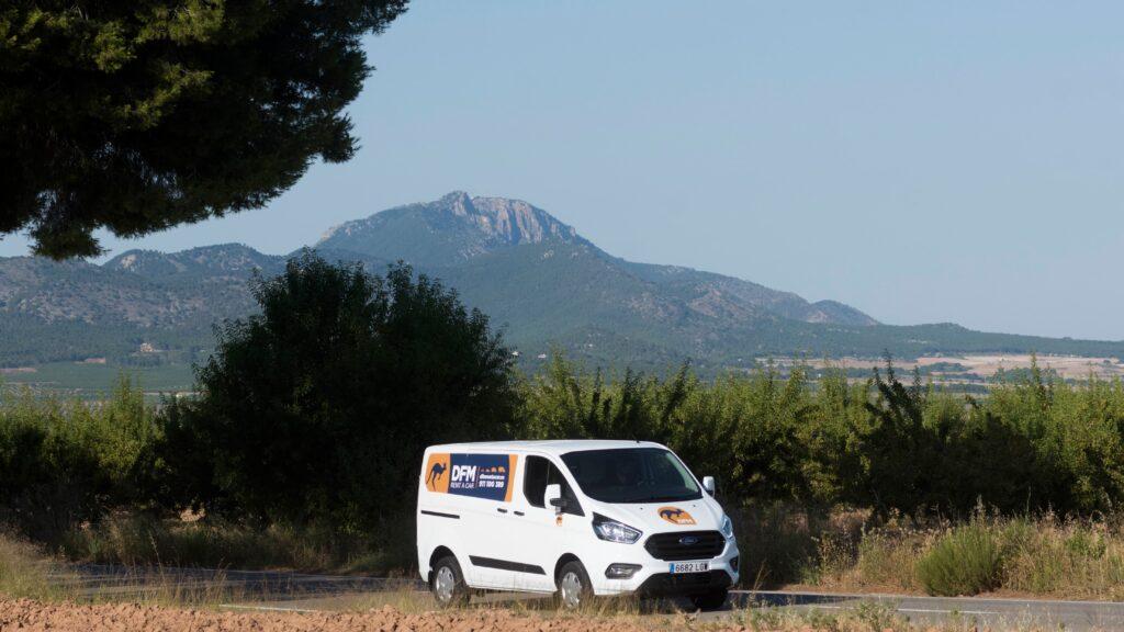 Cinco excursiones para explorar la Comunidad de Madrid en vehículo de alquiler